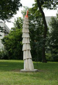 Milan Flajžík Zmena rytmu, 2009, kolorovaný dub, v 403 cm